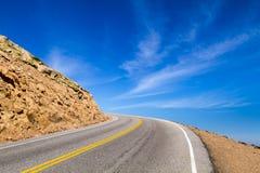 Curva da estrada ao céu Fotos de Stock
