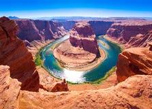 Curva de herradura en el río Colorado cerca de la paginación, Arizona, los E Imagen de archivo libre de regalías