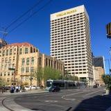 Curva de la izquierda en la 1ra avenida y Jefferson St, Phoenix, AZ Fotografía de archivo libre de regalías
