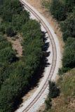 Curva de las pistas ferroviarias Fotos de archivo libres de regalías