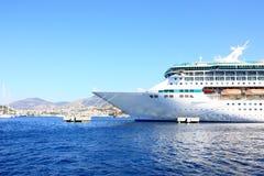A curva de um navio de cruzeiros Foto de Stock Royalty Free