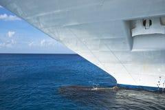 Curva de um navio de cruzeiros Fotos de Stock Royalty Free