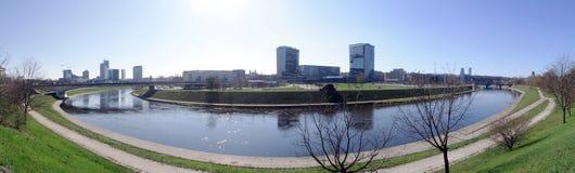 Curva del fiume Neris a Vilnius Fotografie Stock