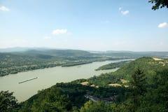 Curva del río de Danubio fotografía de archivo