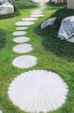 Curva del sentiero per pedoni della pietra facente un passo Fotografie Stock