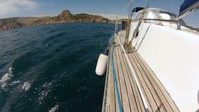 Curva do iate com no Mar Negro video estoque
