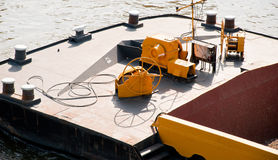 Curva do navio de carga do rio Fotografia de Stock