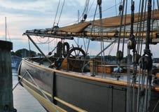 Curva do veleiro fotografia de stock royalty free