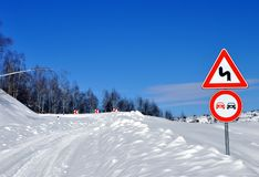 Curva e neve do perigo imagem de stock royalty free