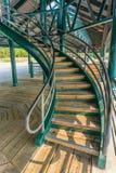 Curvando las escaleras de debajo Fotos de archivo