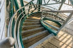 Curvando las escaleras desde arriba Imagen de archivo libre de regalías