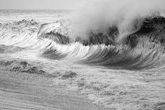 Curvas de la ola oceánica Fotos de archivo