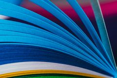 Curvas de papel quilling azules foto de archivo libre de regalías
