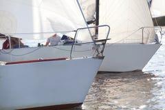 Curvas do iate na regata Imagens de Stock Royalty Free