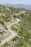 Curvas en el camino de la montaña Fotos de archivo libres de regalías