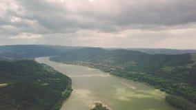 Curvatura de Danúbio do rio em Hungria filme