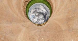 Curvatura del espacio de poca transformaci?n del planeta Torsión y giro abstractos del paisaje completo del panorama de la exhibi almacen de metraje de vídeo
