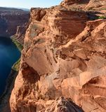 Curvatura em ferradura da rocha de Grand Canyon perto da página o Arizona Fotos de Stock