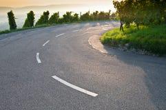 Curvatura em uma estrada fotografia de stock royalty free