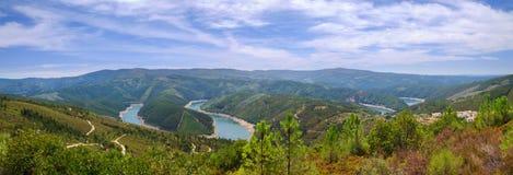 Curve del fiume, Zêzere Fotografia Stock