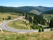 Curved mountain road Royalty Free Stock Photos