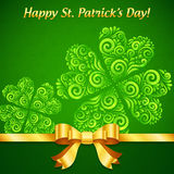 Curved ornate clovers green Patrick's Day card Royalty Free Stock Photos