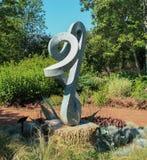 Curvy och oändlighetsskulptur Arkivbild
