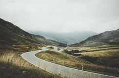 Curvy road through mountains Royalty Free Stock Images
