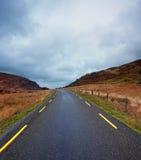 Curvy Straße in Gap von Dunloe, Grafschaft Kerry, Irland Lizenzfreie Stockfotografie