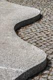 Curvy trottoar på dren Seuss museum i Springfield Massachusetts arkivfoto