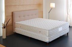 Cuscinetto di materasso del letto Immagine Stock