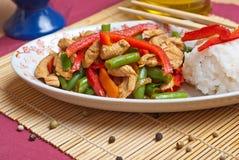 Cuscinetto tailandese con il pollo Immagini Stock Libere da Diritti