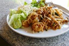 Cuscinetto tailandese - tagliatella tradizionale della frittura di scalpore della Tailandia Immagini Stock