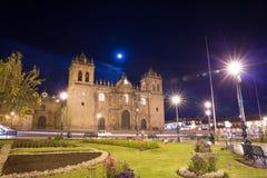 Cusco, Περού, Νότια Αμερική, καθεδρικός ναός Santo Domingo. Απόψεις νύχτας σχετικά με το κύριο τετράγωνο, Plaza de Armas de Στοκ φωτογραφία με δικαίωμα ελεύθερης χρήσης