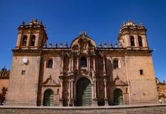 Cusco domkyrka i den huvudsakliga fyrkanten royaltyfri bild