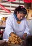 Cusco kvinnamat royaltyfri foto