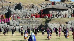Cusco, Pérou - 06 24 2015 hommes et femmes Inca Costumes Inti Raymi traditionnel clips vidéos