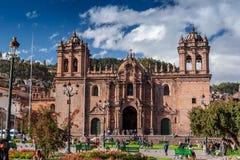Cusco/Peru - 26 de maio 2008: Catedral medieval situada na plaza de Armas foto de stock royalty free