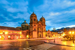Cusco, Peru - Plaza de Armas und Kirche der Gesellschaft von Jesus Stockfotos