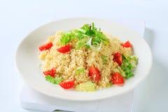 Cuscuz com verdes e tomates da salada Foto de Stock Royalty Free