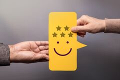 Free Customer Experience Concept. Happy Client Giving A Five Star Rating And Smiling Face Feedback On Bubble Speech Card Stock Image - 213816071