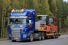 Free Customized Scania Semi Transports Roadworks Equipment Royalty Free Stock Photos - 79059828