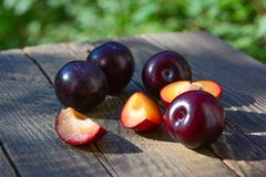 Cut plum fruits Royalty Free Stock Photography