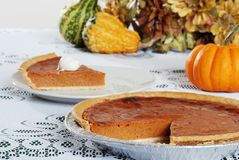 Cut pumpkin pie Royalty Free Stock Photos