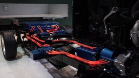 Cutaway do caminhão híbrido video estoque