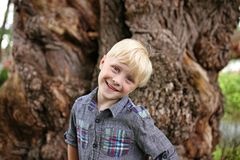 Free Cute Blonde Hair Blue Eyed Boy Child Outside Smiling In Nature Stock Photo - 165089480