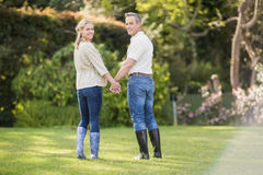 Cute couple holding hands Royalty Free Stock Photography