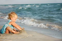 Cute girl on beach Royalty Free Stock Photography