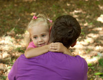 Cute little girl with her father– Outdoor Royalty Free Stock Photos