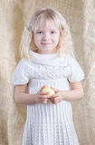 Cute little girl holding an Easter egg Stock Photography